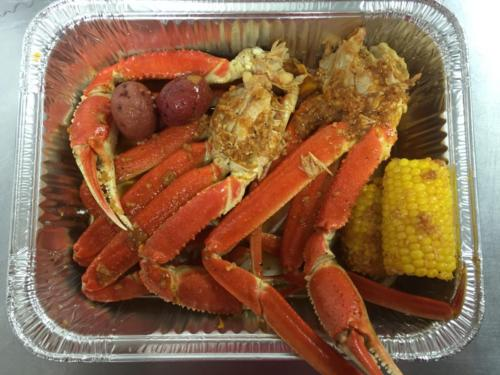 Crab Legs, Corn on the Cobb...Yum!
